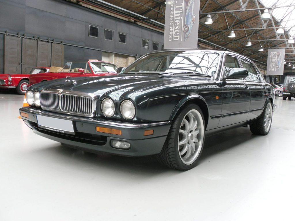 jaguar-xj300-1