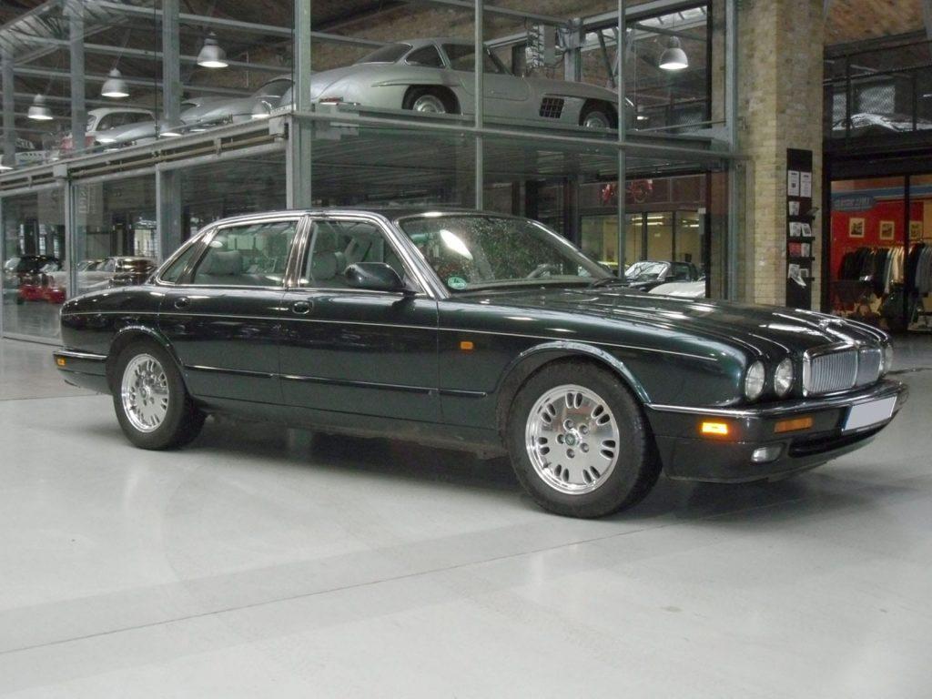 jaguar-xj300-2