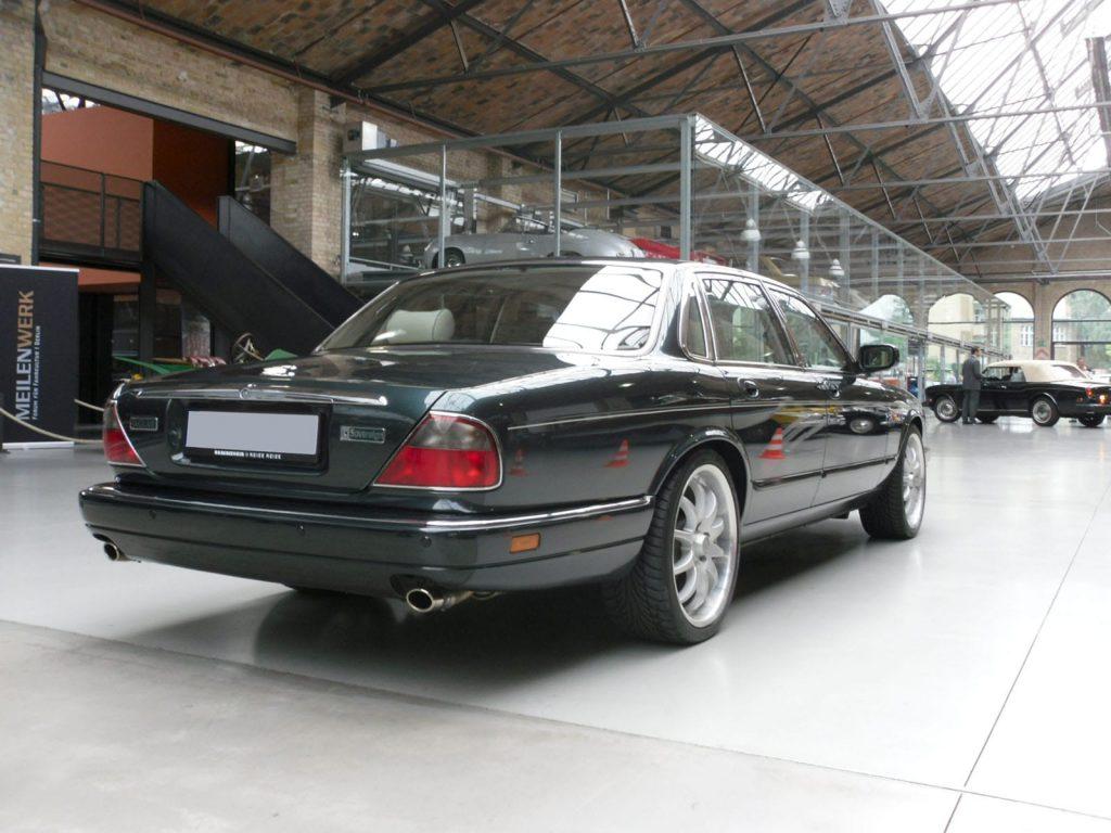 jaguar-xj300-3
