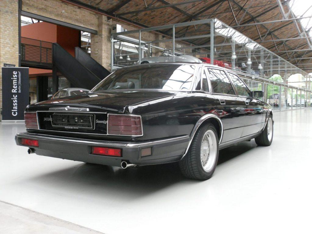 jaguar-xj40-5