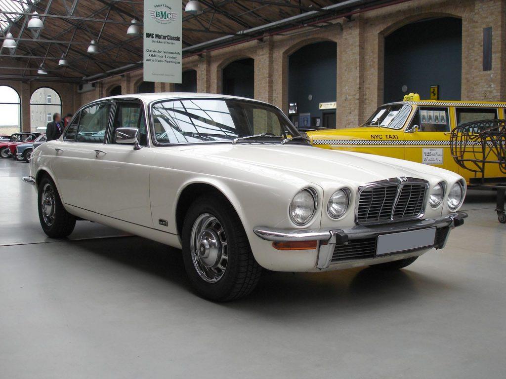 jaguar-xj6-s2-1
