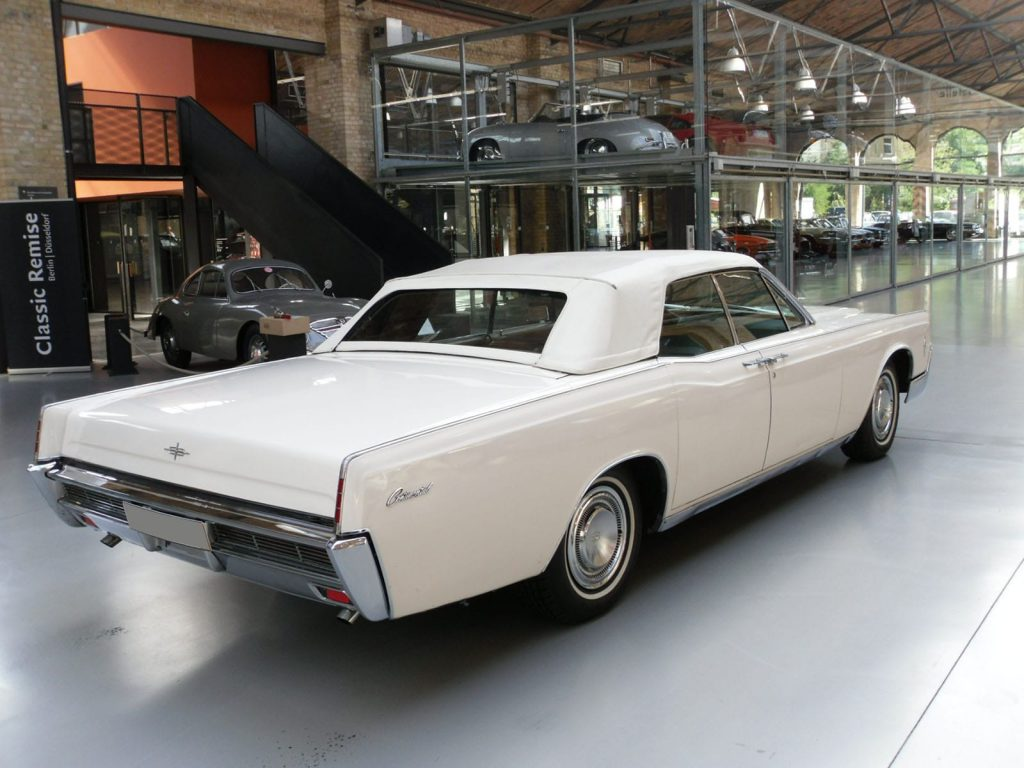 lincoln-continental-convertible-2