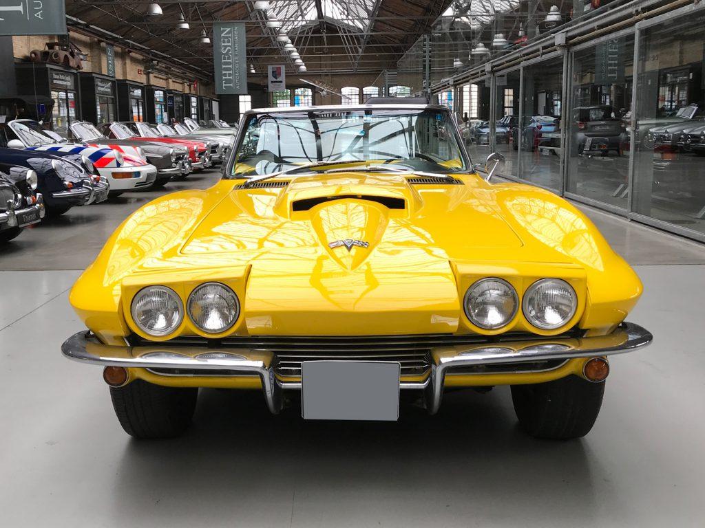 Chevrolet-Corvette-C2-Cabriolet-02