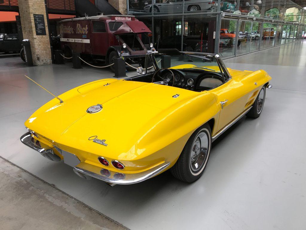 Chevrolet-Corvette-C2-Cabriolet-04