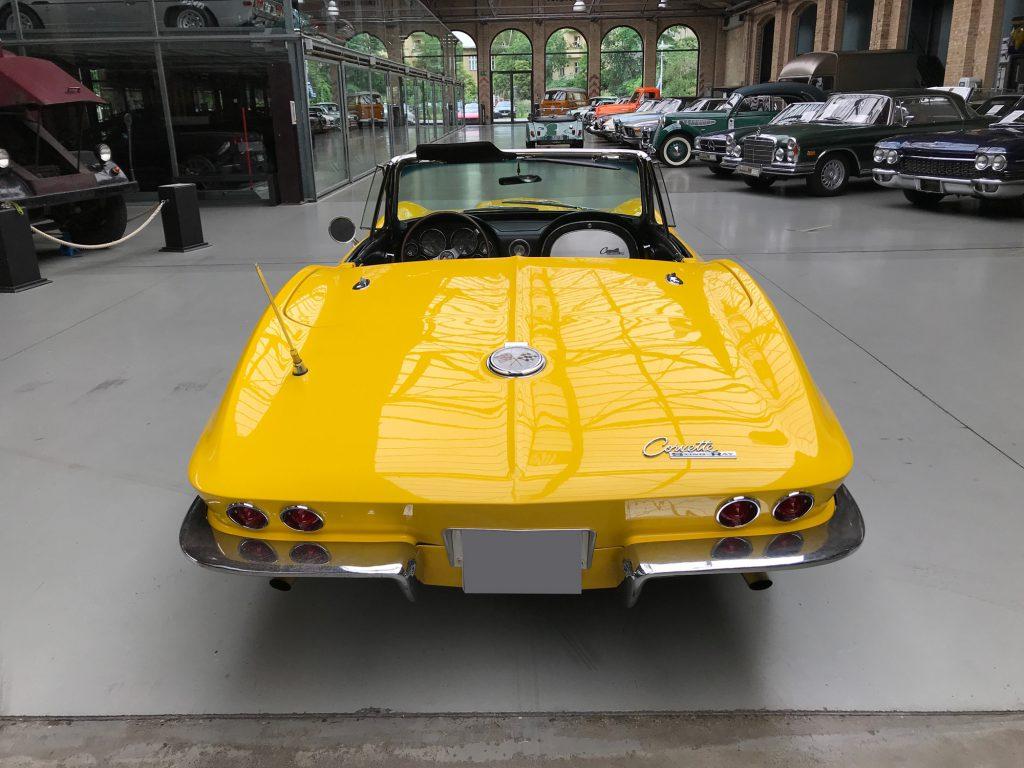 Chevrolet-Corvette-C2-Cabriolet-05