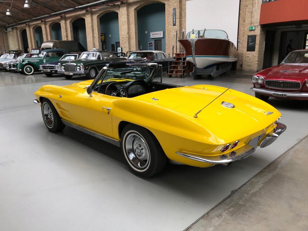 Chevrolet-Corvette-C2-Cabriolet-06