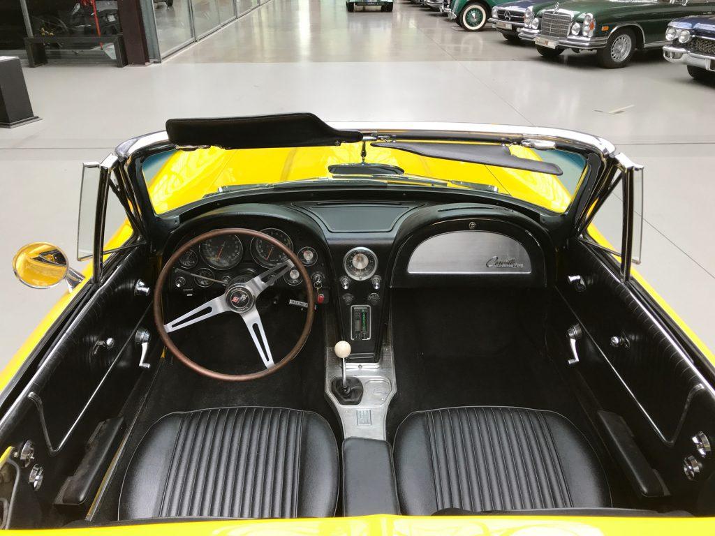 Chevrolet-Corvette-C2-Cabriolet-08