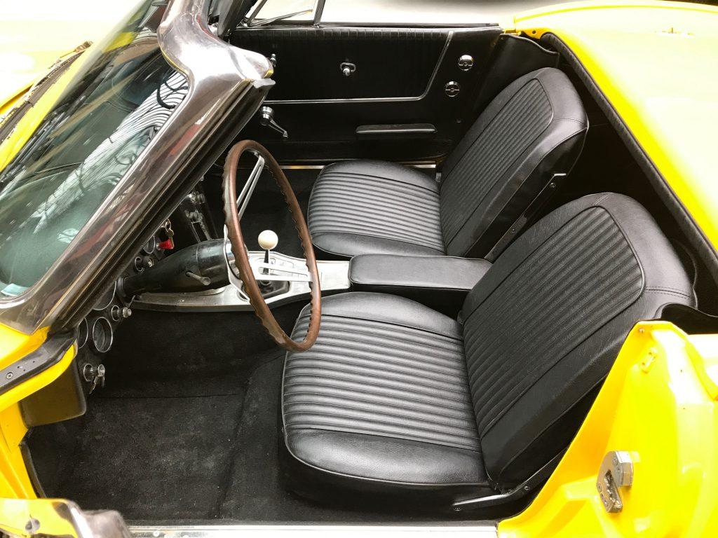 Chevrolet-Corvette-C2-Cabriolet-11