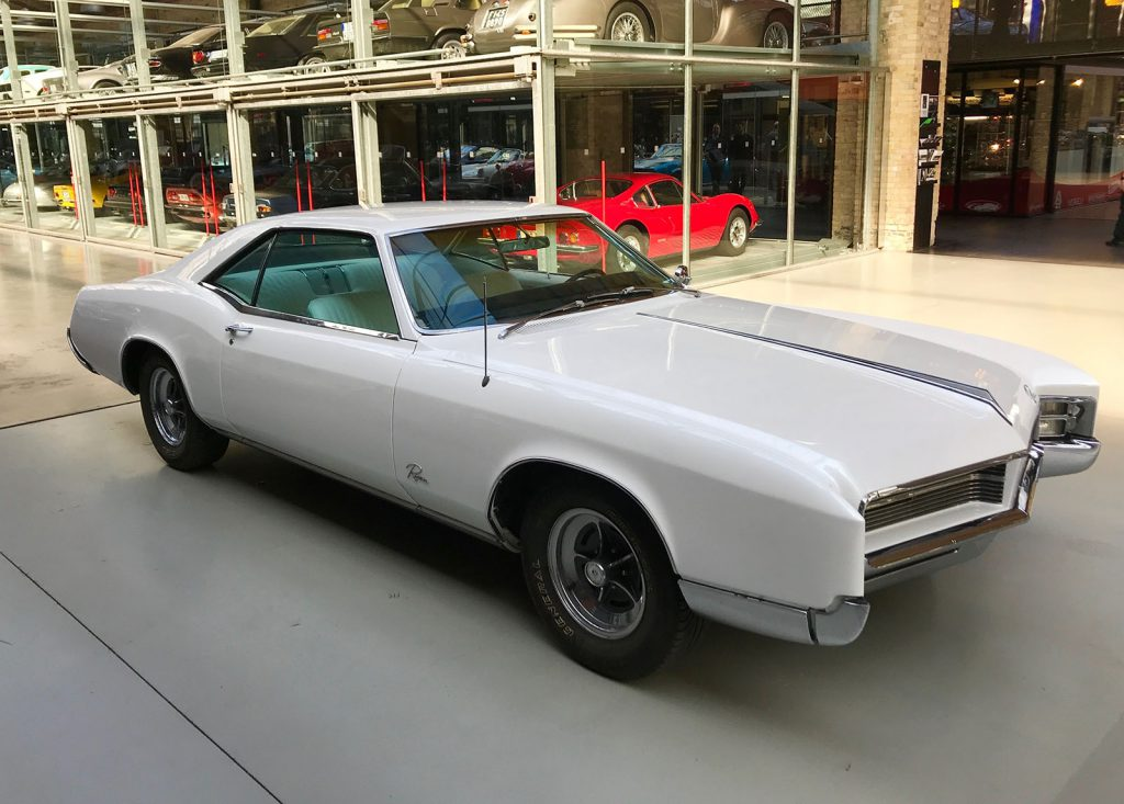 buick-riviera-coupe-02