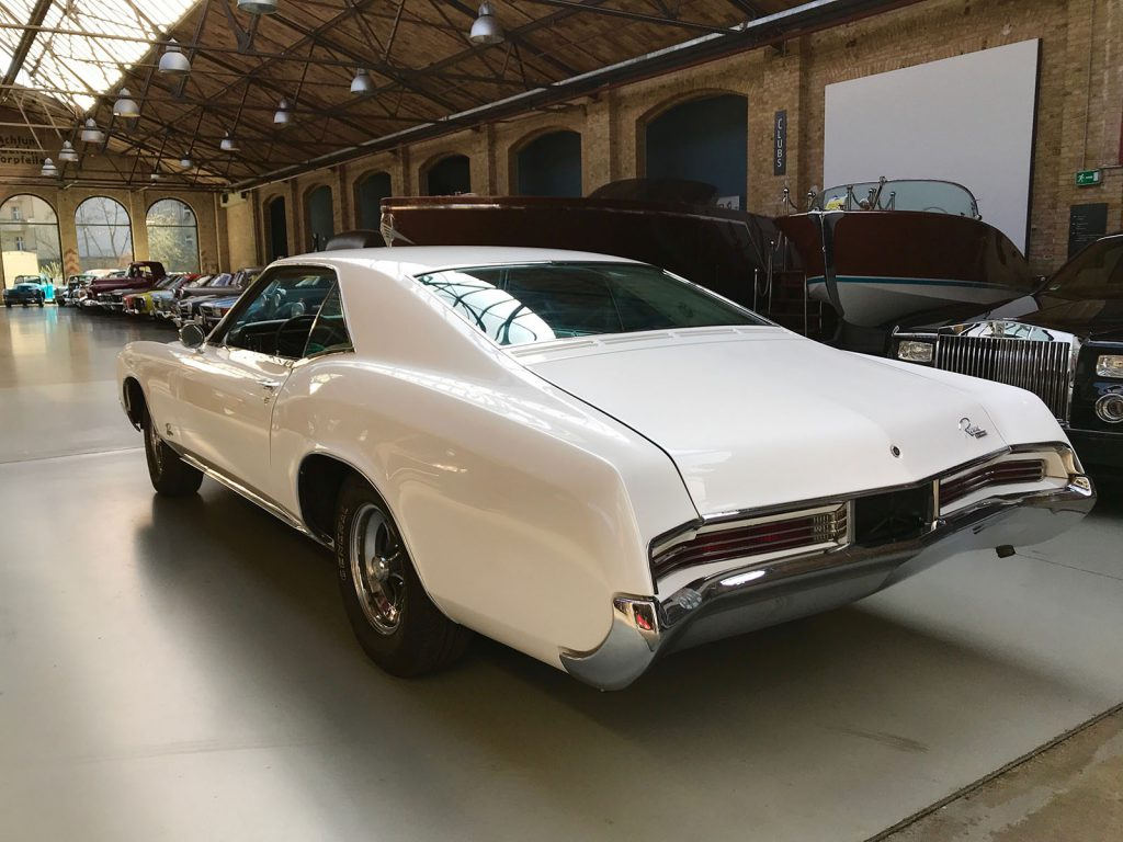 buick-riviera-coupe-05