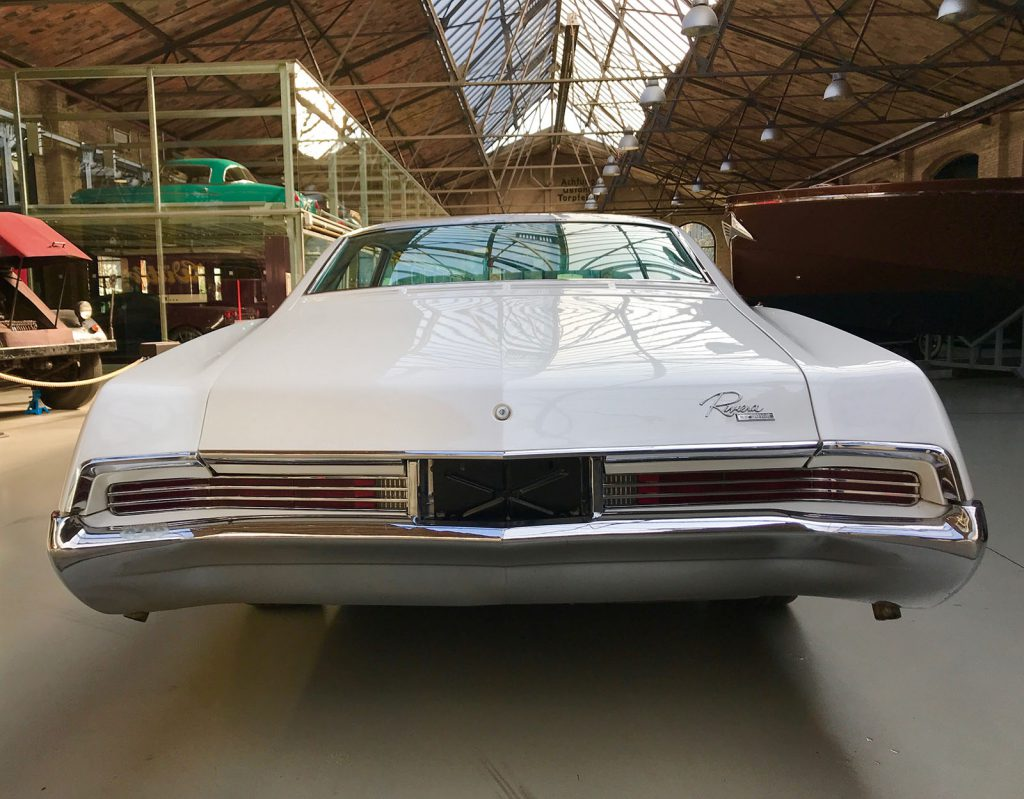 buick-riviera-coupe-12