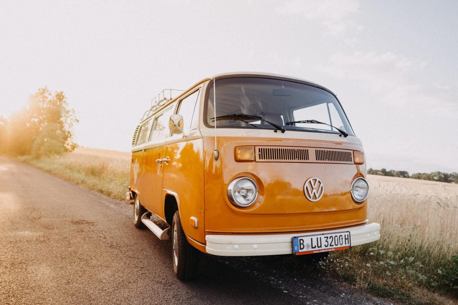 VW T2 Bulli orange Oldtimer mieten Berlin